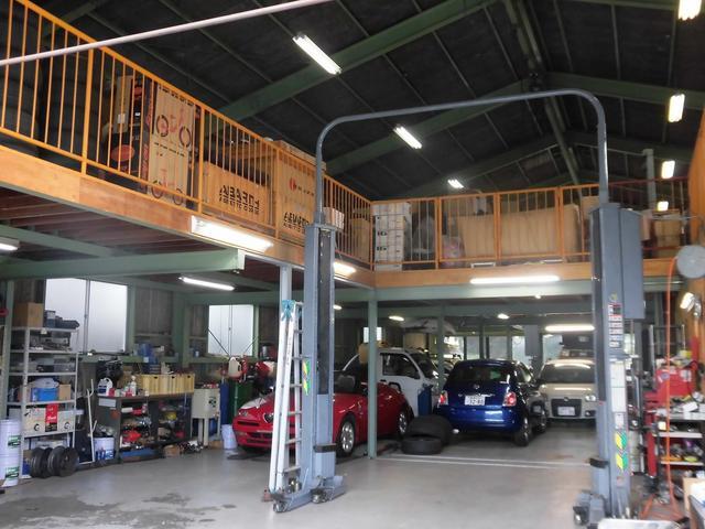 蒲郡のリフトがある自動車修理工場